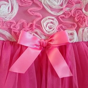 Girls pink and white flower fancy party dress